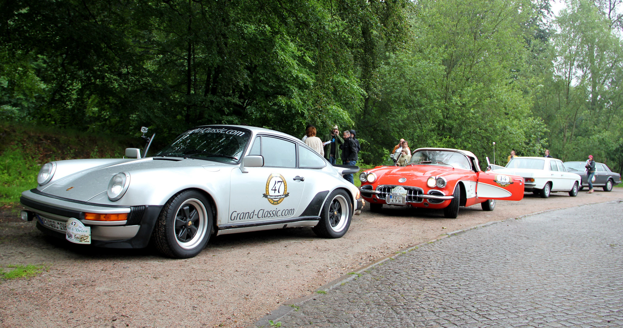 Meet Drive For Charity Oldtimer Rallye 2011