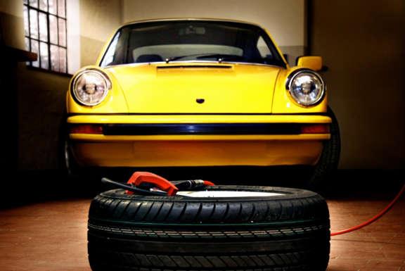 Grand Classic Wallpaper Porsche 911 S Werkstatt