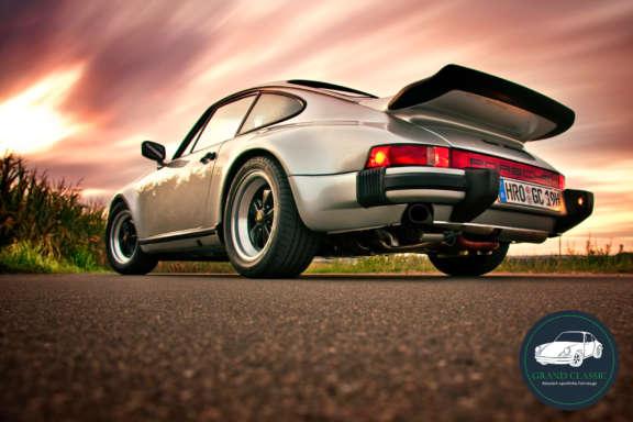 Grand Classic Wallpaper Porsche 930 Turbo Sunflower