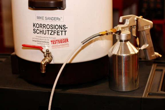 Galerie1 Bild3 Hohlraumkonservierung Porsche