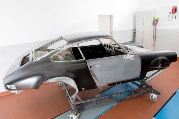 Galerie1 Bild3 Karosserie Blecharbeiten Porsche