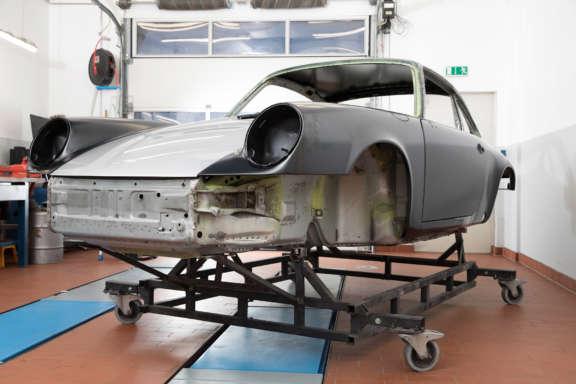 Galerie1 Bild4 Karosserie Blecharbeiten Porsche