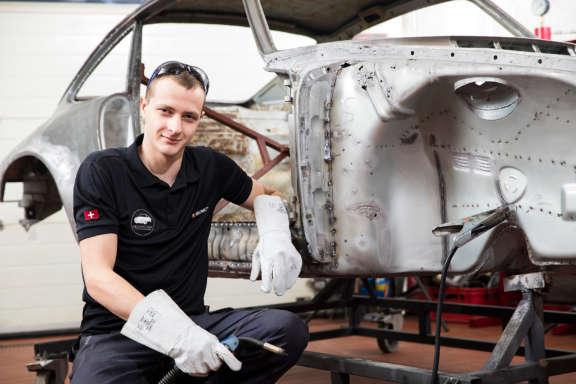Galerie2 Bild1 Schweissarbeiten Porsche Karosserie