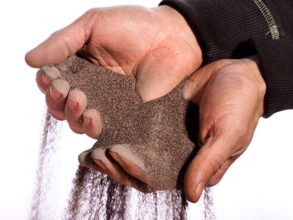 Sandstrahlen Porsche Teile Material Korund