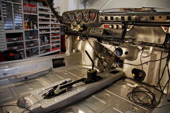 Komplett Restauration Porsche 930 Silber Metallic