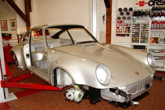 Galerie1 Bild1 Komplett Restauration Porsche 930 Silber Metallic