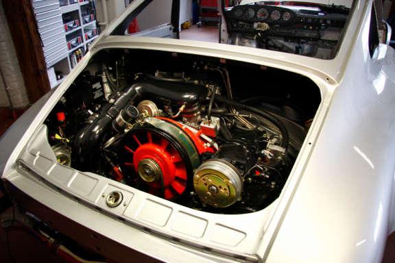 Galerie2 Bild5 Komplett Restauration Porsche 930 Silber Metallic