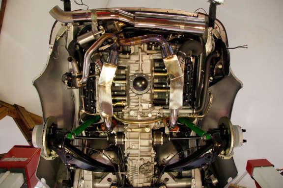 Galerie2 Bild7 Komplett Restauration Porsche 930 Silber Metallic