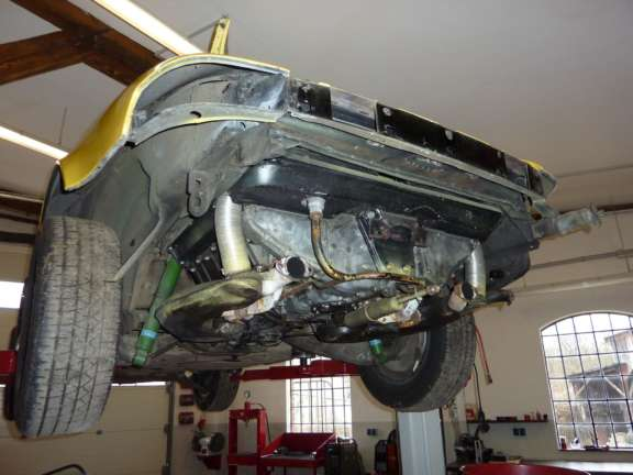 Demontage Basisfahrzeug