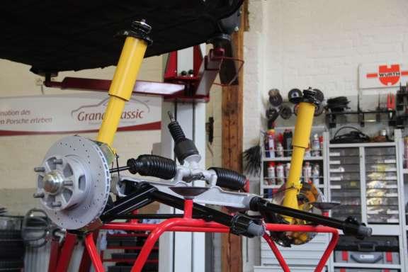 Überholung Fahrwerk und Bremsanlage