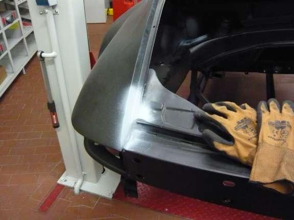 Karosserie- & Schweißarbeiten Motorraum