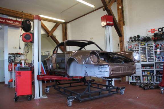 1976 Porsche 930 Turbo 3 0 Fahrwerk Bild01