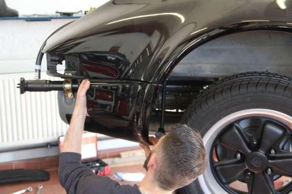 Endmontage Porsche Ur-Turbo