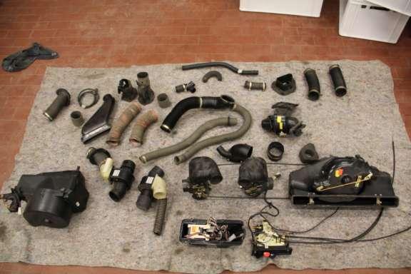 Einzelteile zerlegter 911 Carrera 3.2